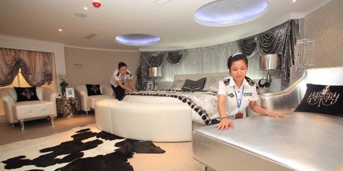 Pirmasis pasaulyje viešbutis kariniame laive