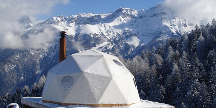 Įspūdinga poilsiavietė Šveicarijos Alpėse