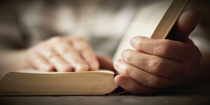 TOP knygos, kurias rekomenduojame perskaityti karantino metu