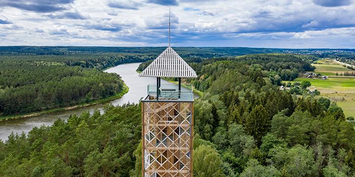 Įsijunk poilsį Lietuvoje: aplankyk populiariausius apžvalgos bokštus