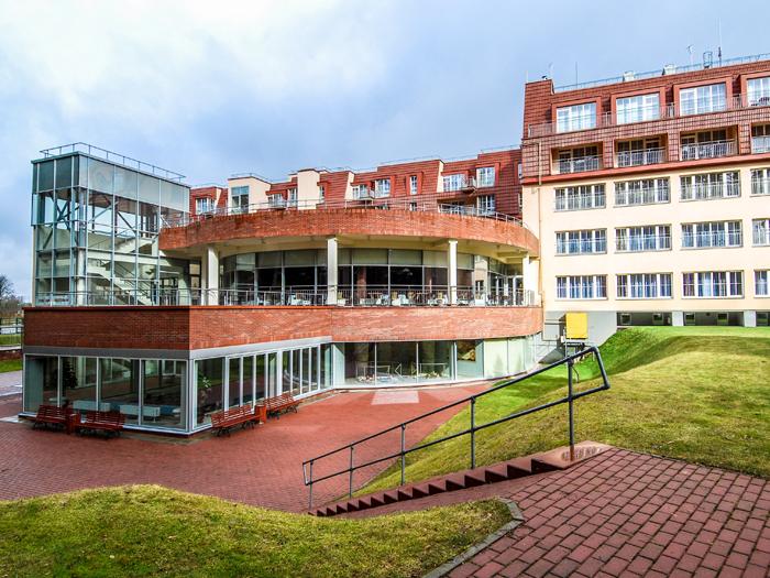 """Apsistosite moderniame """"Royal Spa Residence"""" viešbutyje, kuris garsėja mineralinio vandens procedūromis bei gydomosiomis programomis"""