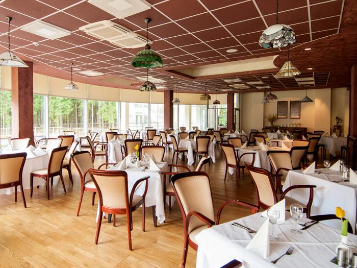 Maistu mėgausitės moderniame viešbučio restorane!