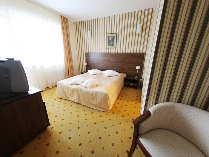 Įsikursite standartiniame viešbučio kambaryje (70 EUR pasiūlymas)
