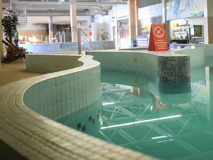 Pasiilgę jūros Jūs galėsite panerti į bangas (speciali baseinų konstrukcija formuoja bangas).