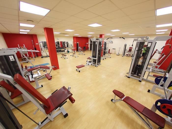 Sportas treniruoklių salėje