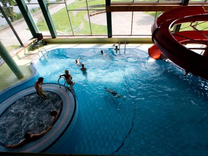 Apsilankysite baseino ir pirčių komplekse!