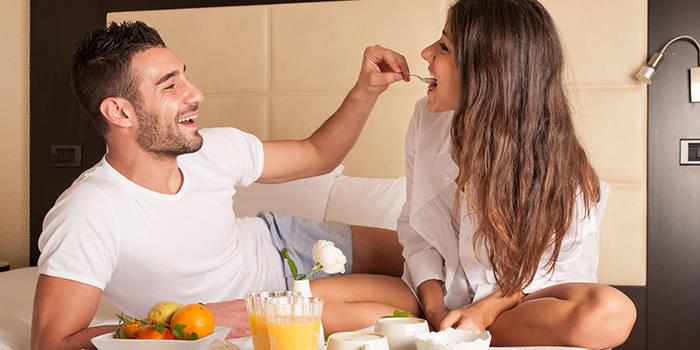 2 nakvynės su VAKARIENE ir pirčių malonumai DVIEM