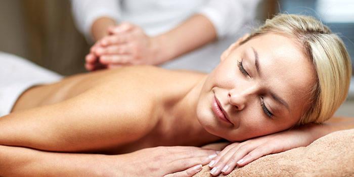 Segmentinis viso kūno masažas VIENAM