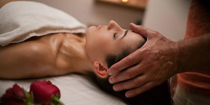 Galvos, pečių, veido ir kaklo masažas VIENAM