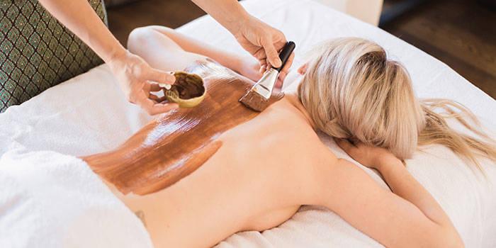Šokoladinis viso kūno masažas VIENAM arba DVIEM