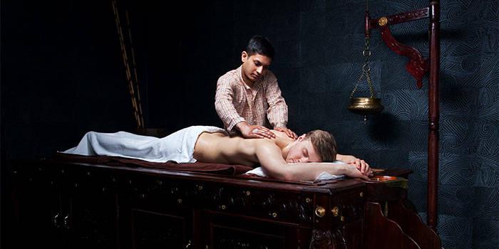 Rytietiškas viso kūno masažas VIENAM + DOVANA