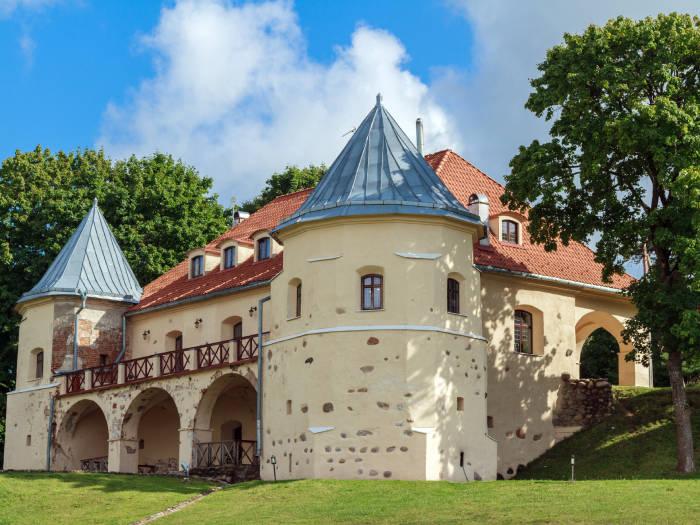 Norviliškių pilis - Viešbučiai Norviliškėse